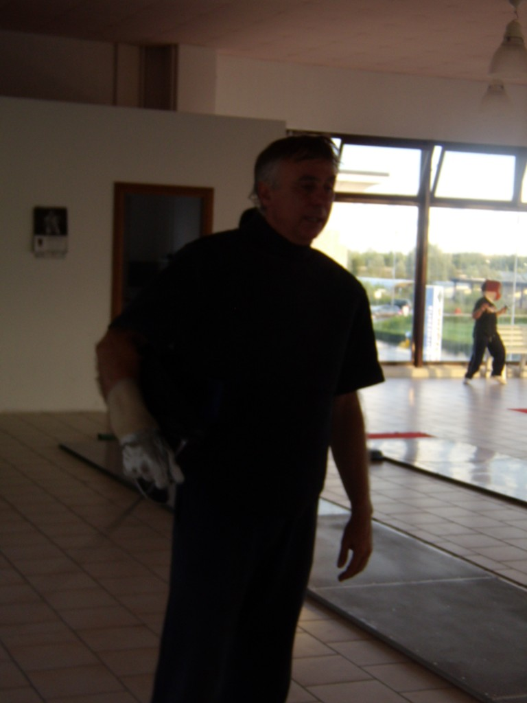 il maestro Leszek Martewicz al centro scherma Rovigo