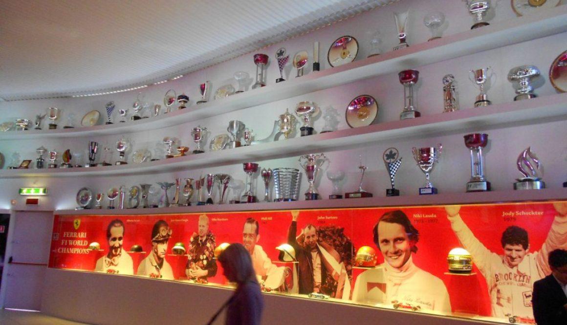 sala trofei, museo Ferrari, Maranello, Italia